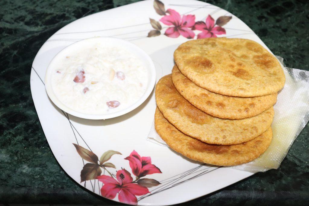 http://www.biharirecipes.com/holiday-recipes/chana-dal-puri-recipe/
