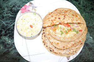 http://www.biharirecipes.com/recipes/paneer-paratha-recipe-in-hindi/