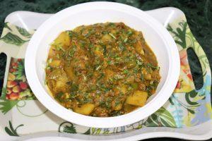 Aloo Tamatar ki sabzi - आलू, पालक, बैगन और टमाटर की मिक्स सब्जी, उंगलियां चाटने पर मजबूर कर देगी