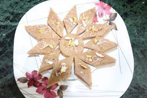 नवरात्र स्पेशल रेसिपी- सिंघाड़े का हलवा बनाने का आसान तरीका सीखें Singhare Ke Aate Ka Halwa, singhare ke aate ka halwa recipe in hindi, sigada ka halwa