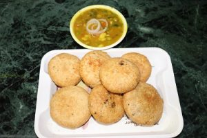 Aloo Kachori Recipe in Hindi